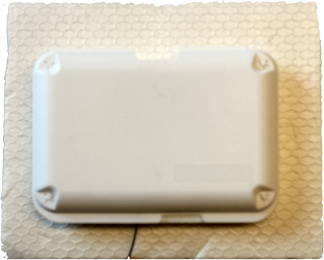 GPS chip loop antenna inside enclosure