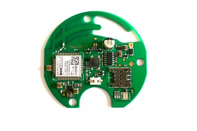 © Harald Naumann - The circuit board of the IoT button by Gillette. It contains a GSM module, which can also be exchanged against a pin-compatible NB-IoT radio module.